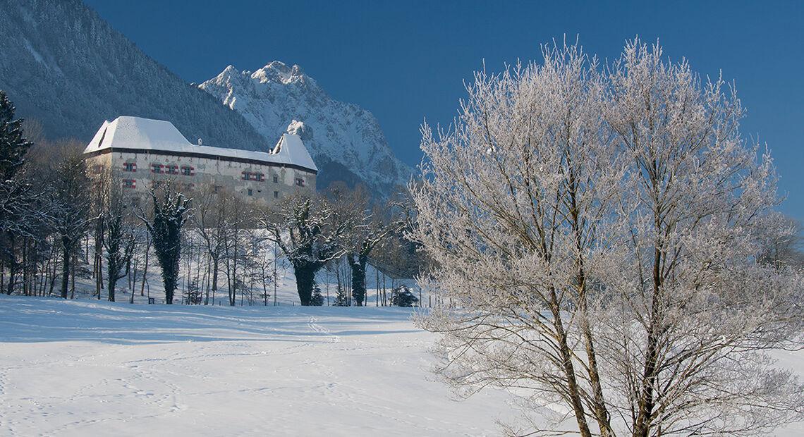 Schloss Staufeneck Piding Winter 1