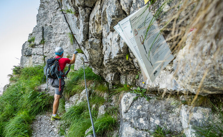 Am Einstieg des Pidinger Klettersteigs