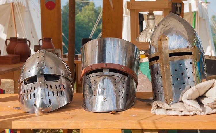 Historische Helme