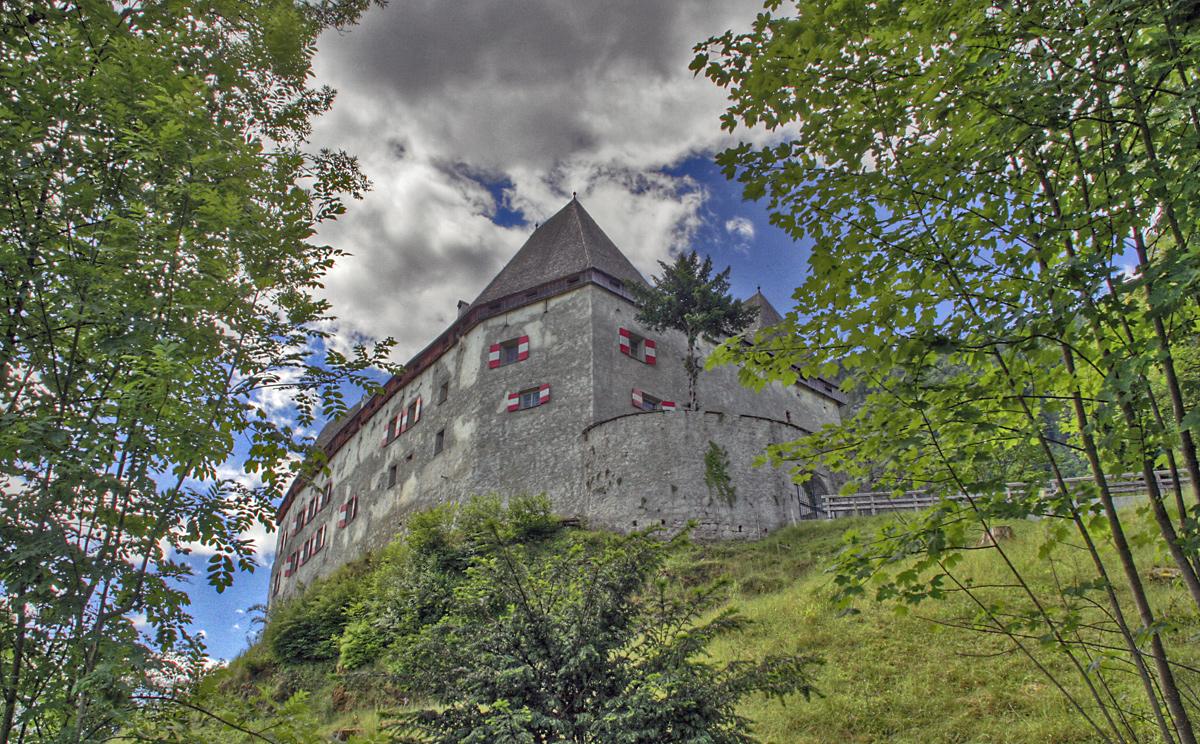 Schloss Staufeneck